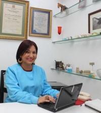 Bellamira Alevante, propietaria del centro de salud bucal.