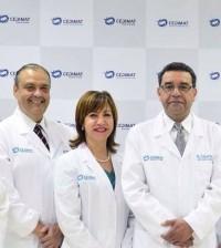 Al centro, Janet Toribio, junto a parte del staff médico del Centro Cardiovascular de CEDIMAT. | Facebook/janettoribio
