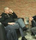 Pablo Arturo Pujols, director de Amet (centro) conversa con el sindicalista del transporte público, Antonio Marte.