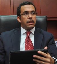 El presidente Danilo Medina designó mediante el decreto 332-14 al arquitecto Andrés Navarro como nuevo ministro de Relaciones Exteriores, en sustitución de Carlos Morales Troncoso, renunciante por razones de salud.