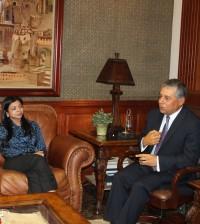 Jenny Berenice Reynoso, fiscal del Distrito Nacional, junto al alcalde Roberto Salcedo.