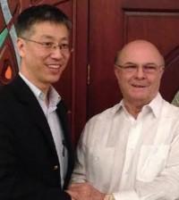 Wei Qiang sostuvo una reunión fructífera con el ex presidente Hipólito Mejía.