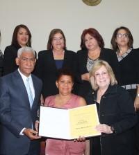 El ADN rindió tributo a 13 mujeres en el Día de la No Violencia.