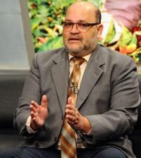 El sociólogo Ramón Tejada Holguín.
