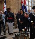 En el Panteón de la Patria, el presidente Danilo Medina, acompañado de la primera dama Cándida Montilla de Medina, funcionarios y autoridades civiles y militares, Panteón de la Patria, rindió homenaje a los héroes de la Revolución de Abril de 1965 en la conmemoración del 50 aniversario de esta histórica gesta. | Luis Ruiz Tito/Presidencia