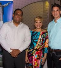 Roberto McCrory (gerente del restaurante), Richard Santiago y Virginia Laureano (propietarios) y Jose Macus Vinicius de Sousa (embajador de Brasil). | Foto: Andrickson Carvajal.